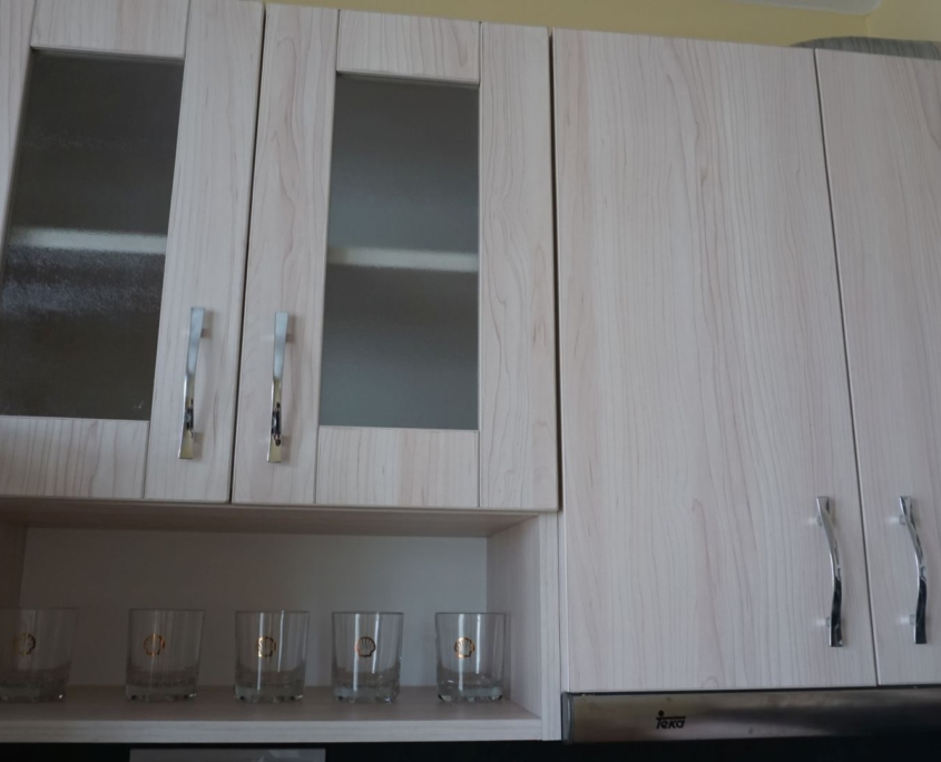 Шампанско и мрамор в кухнята