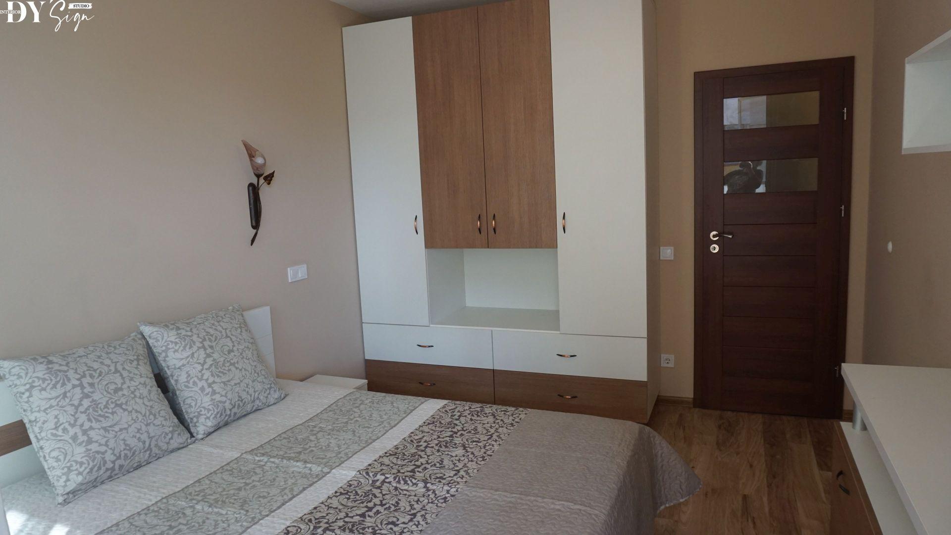 Спалня в нежни пастелни цветове